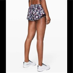 "Lululemon Hotty Hot Short II *2.5"" in Utopia Multi"